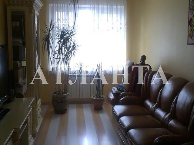 Продается 3-комнатная квартира на ул. Кропивницкого — 60 000 у.е.