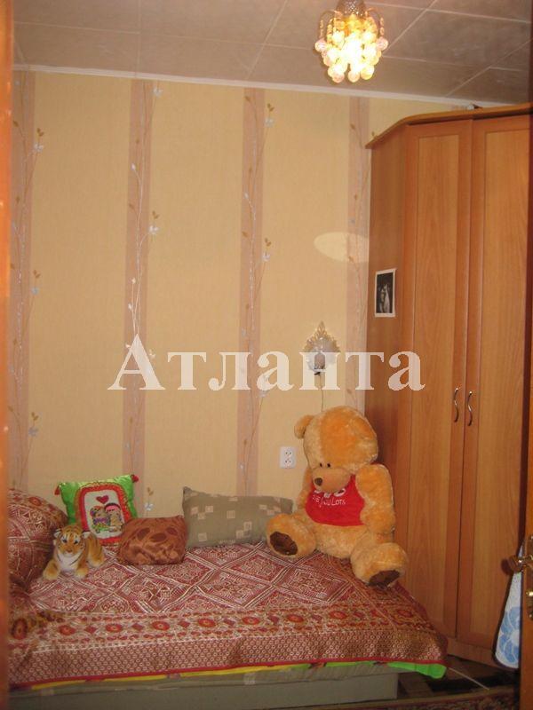 Продается 3-комнатная квартира на ул. Проспект Добровольского — 32 000 у.е.