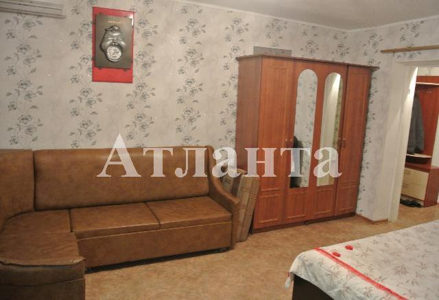 Продается 2-комнатная квартира на ул. Николаевская Дор. — 36 000 у.е.