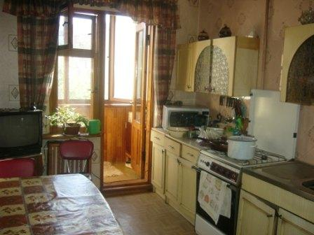 Продается 4-комнатная квартира на ул. Днепропетр. Дор. — 47 000 у.е.