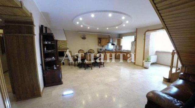 Продается 3-комнатная квартира на ул. Дюковская — 82 000 у.е.