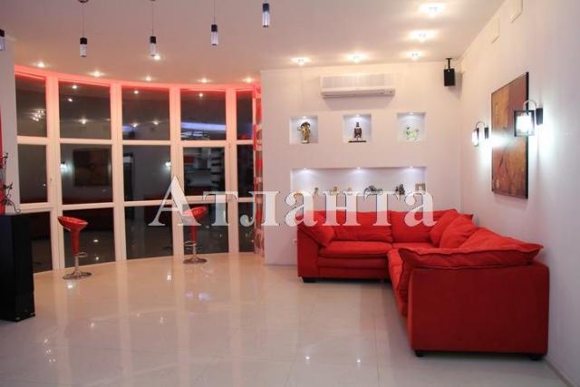 Продается 2-комнатная квартира в новострое на ул. Мукачевский Пер. — 215 000 у.е.