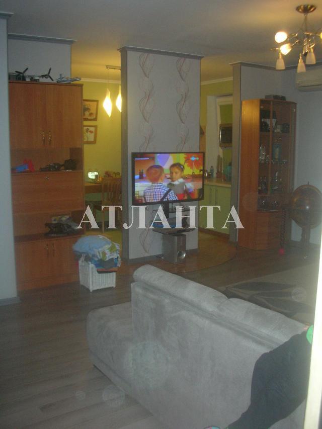 Продается 3-комнатная квартира на ул. Бочарова Ген. — 61 500 у.е.