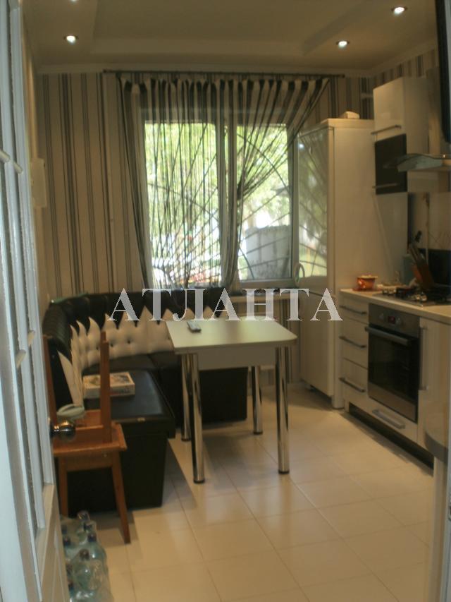 Продается 3-комнатная квартира на ул. Николаевская Дор. — 50 000 у.е.