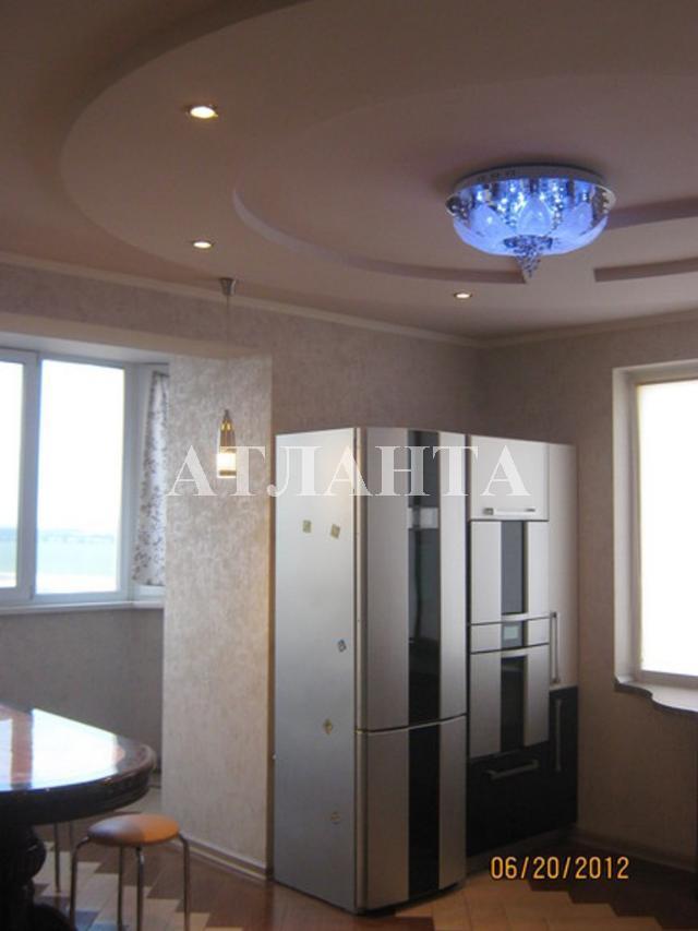 Продается 4-комнатная квартира на ул. Сахарова — 140 000 у.е.