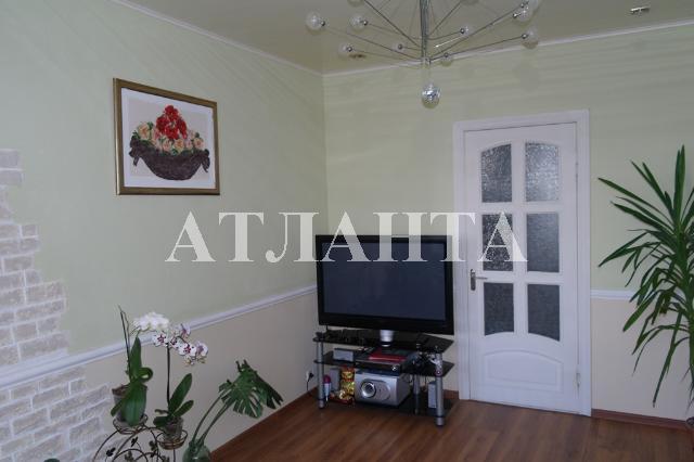 Продается 4-комнатная квартира на ул. Проспект Добровольского — 65 000 у.е.