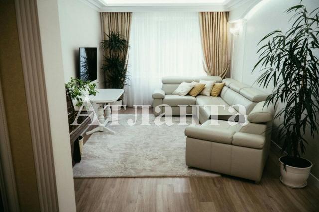 Продается 5-комнатная квартира на ул. Проспект Добровольского — 105 000 у.е.
