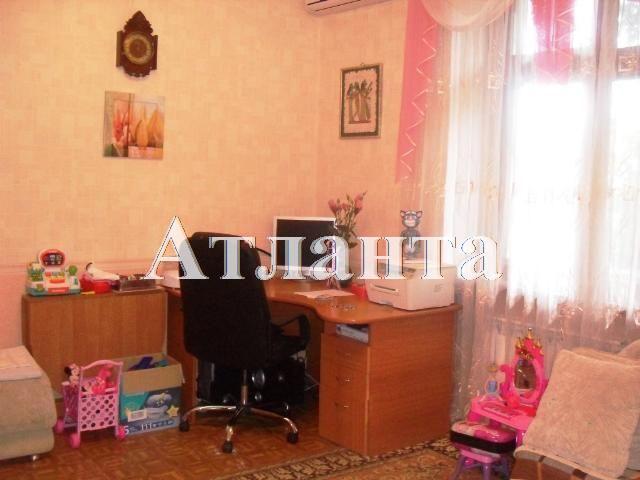 Продается 3-комнатная квартира на ул. Школьный Аэродром — 63 000 у.е.