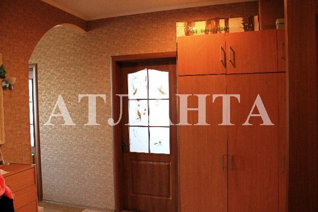 Продается 2-комнатная квартира на ул. Центральная — 33 000 у.е.