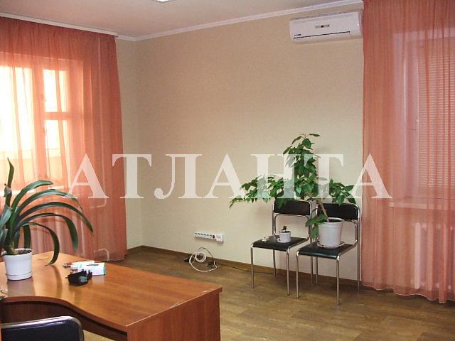 Продается 3-комнатная квартира на ул. Днепропетр. Дор. — 46 000 у.е.