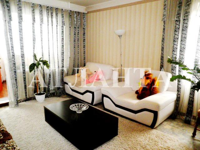 Продается 2-комнатная квартира на ул. Днепропетр. Дор. — 48 000 у.е.