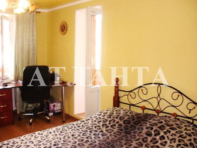 Продается 2-комнатная квартира на ул. Днепропетр. Дор. — 43 000 у.е.