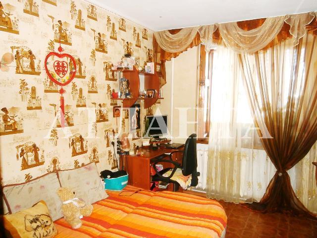 Продается 3-комнатная квартира на ул. Бочарова Ген. — 60 000 у.е.