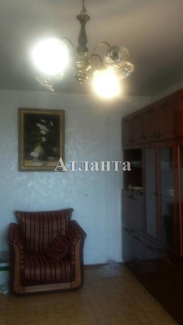 Продается 2-комнатная квартира на ул. Академика Вильямса — 45 000 у.е.