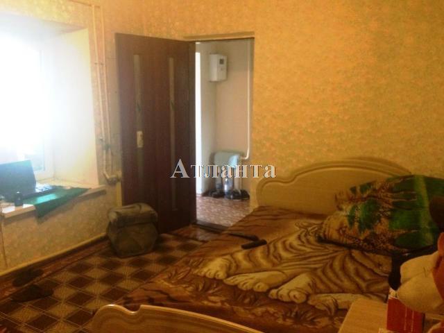 Продается 2-комнатная квартира на ул. Колонтаевская — 30 000 у.е.
