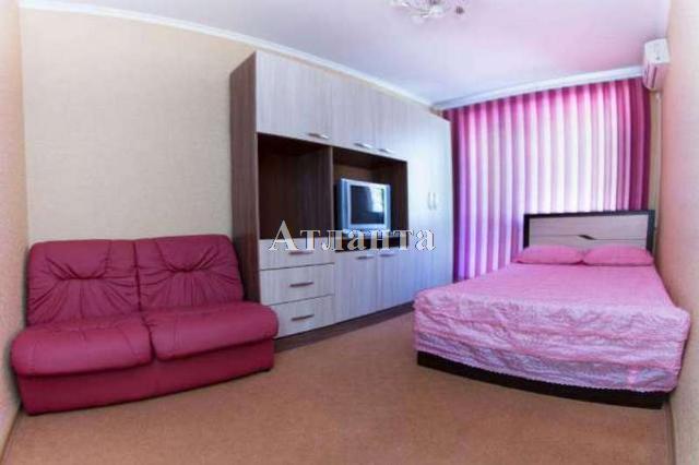 Продается 2-комнатная квартира на ул. Филатова Ак. — 45 000 у.е.