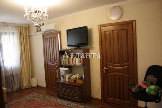Продается 4-комнатная квартира на ул. Петрова Ген. — 52 000 у.е.
