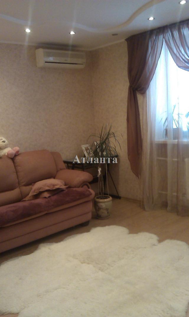 Продается 2-комнатная квартира на ул. Маршала Жукова — 56 000 у.е.