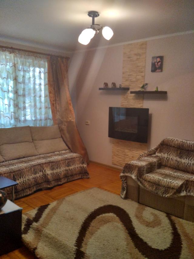 Продается 3-комнатная квартира на ул. Космонавтов — 45 000 у.е.