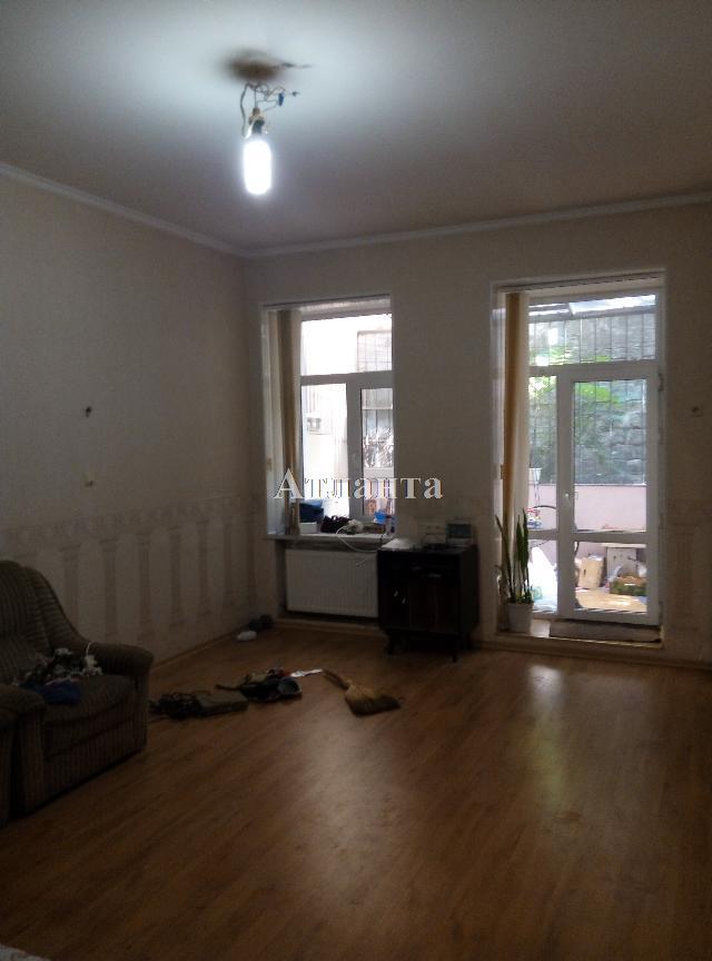Продается 4-комнатная квартира на ул. Щепной Пер. — 70 000 у.е.