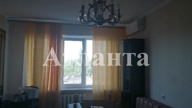 Продается 3-комнатная квартира на ул. Петрова Ген. — 53 000 у.е.