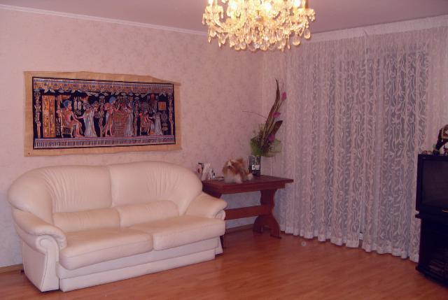 Продается 4-комнатная квартира на ул. Екатерининская — 105 000 у.е.