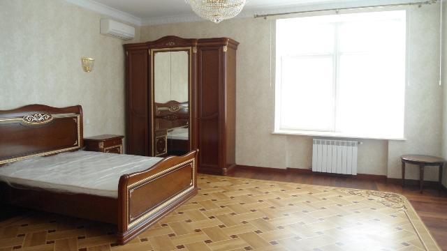 Продается 1-комнатная квартира на ул. Кирпичный Пер. — 210 000 у.е.