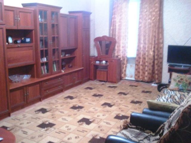 Продается 2-комнатная квартира на ул. Грушевского Михаила — 60 000 у.е.
