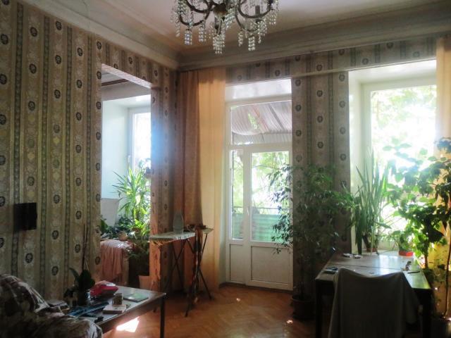 Продается 4-комнатная квартира на ул. Прохоровская — 120 000 у.е.