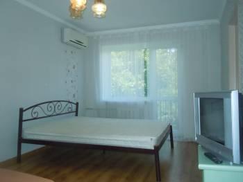 Продается 3-комнатная квартира на ул. Посмитного — 69 000 у.е.