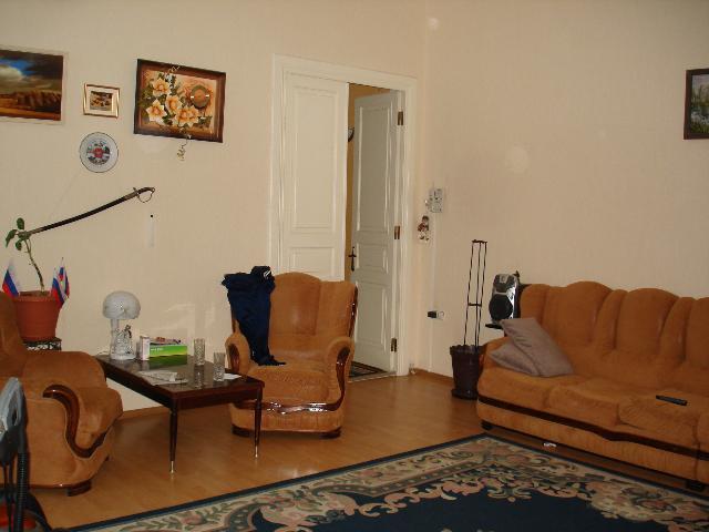 Продается 3-комнатная квартира на ул. Дерибасовская — 110 000 у.е.