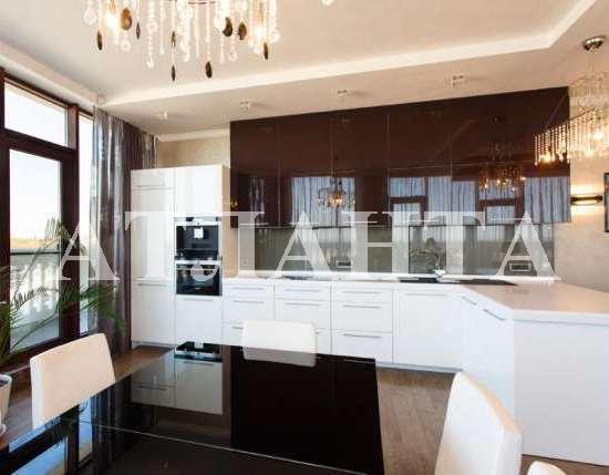 Продается 3-комнатная квартира на ул. Греческая — 850 000 у.е.