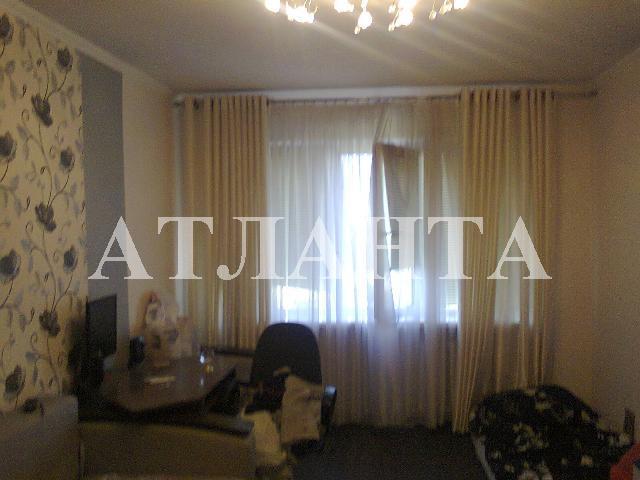 Продается 4-комнатная квартира на ул. Днепропетр. Дор. — 85 000 у.е.