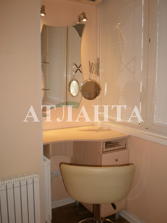 Продается 4-комнатная квартира на ул. Академика Глушко — 135 000 у.е.
