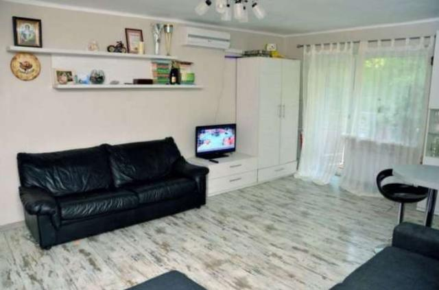Продается 3-комнатная квартира на ул. Кармена Романа — 62 000 у.е.