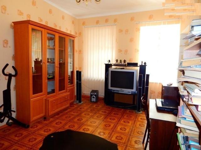 Продается 2-комнатная квартира на ул. Новосельского — 45 000 у.е.