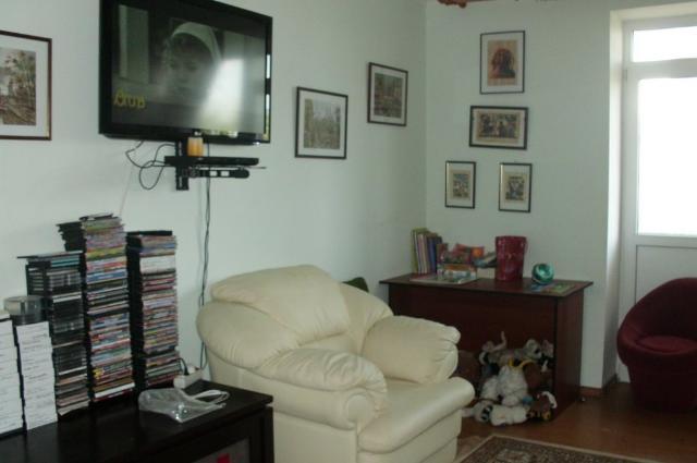 Продается 2-комнатная квартира на ул. Скидановская — 63 000 у.е.