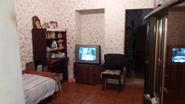 Продается 2-комнатная квартира на ул. Староконный Пер. — 30 000 у.е.