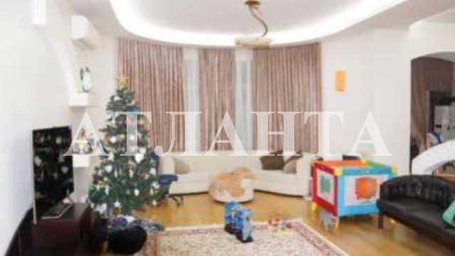Продается 2-комнатная квартира на ул. Мукачевский Пер. — 450 000 у.е.