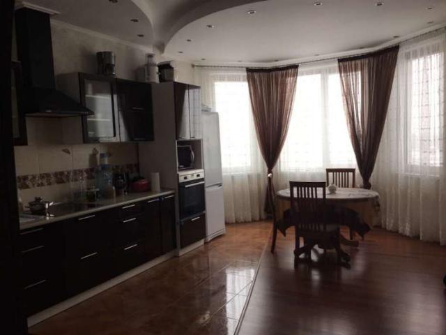 Продается 2-комнатная квартира в новострое на ул. Среднефонтанская — 93 000 у.е.
