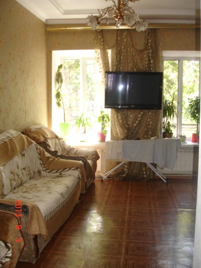 Продается 4-комнатная квартира на ул. Хмельницкого Богдана — 55 000 у.е.