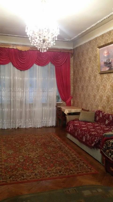 Продается 3-комнатная квартира на ул. Александровский Пр. — 75 000 у.е.