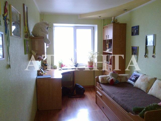 Продается 2-комнатная квартира на ул. Среднефонтанская — 60 000 у.е.