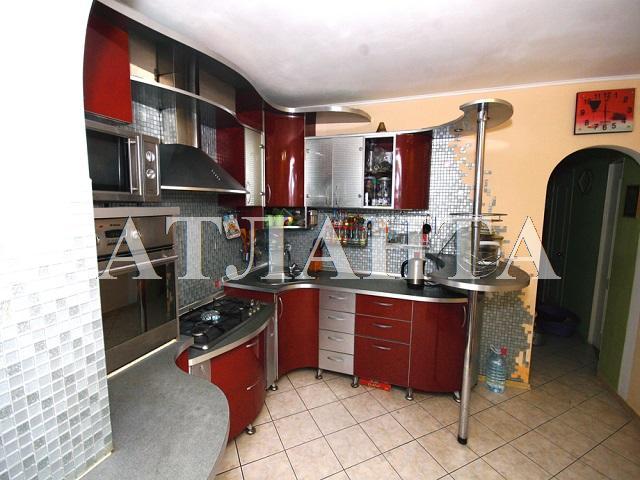 Продается 3-комнатная квартира на ул. Средняя — 69 000 у.е.