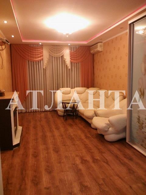 Продается 3-комнатная квартира на ул. Академика Глушко — 62 000 у.е.