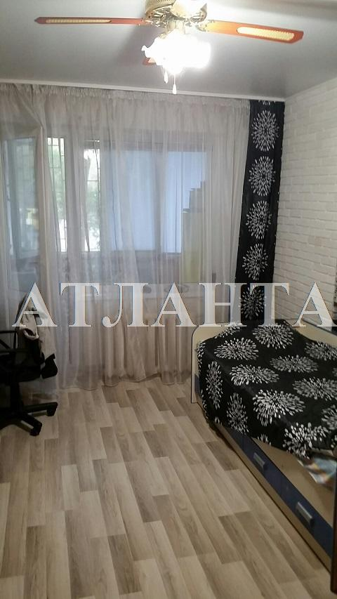 Продается 3-комнатная квартира на ул. Академика Королева — 64 000 у.е.