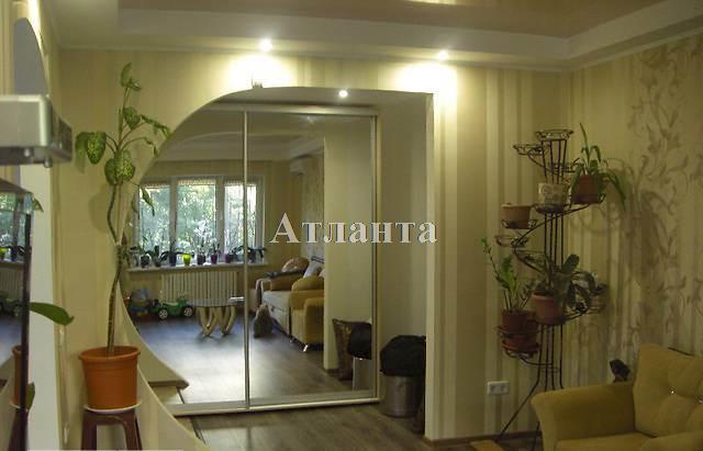 Продается 3-комнатная квартира на ул. Академика Королева — 120 000 у.е.
