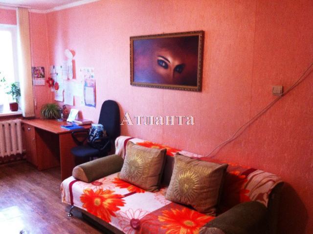 Продается 3-комнатная квартира на ул. Петрова Ген. — 38 000 у.е.