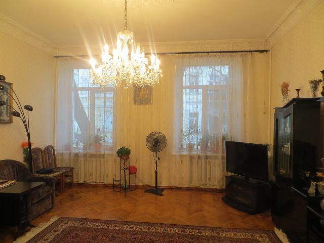Продается 4-комнатная квартира на ул. Пантелеймоновская — 105 000 у.е.