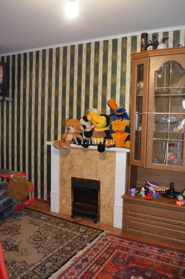 Продается 4-комнатная квартира на ул. Филатова Ак. — 82 000 у.е.